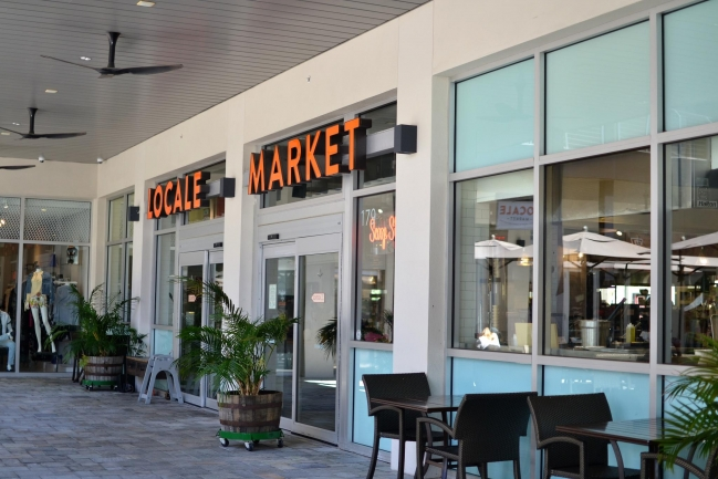 Shopping, dining, and entertaining is at your door step in Downtown St Petersburg Florida