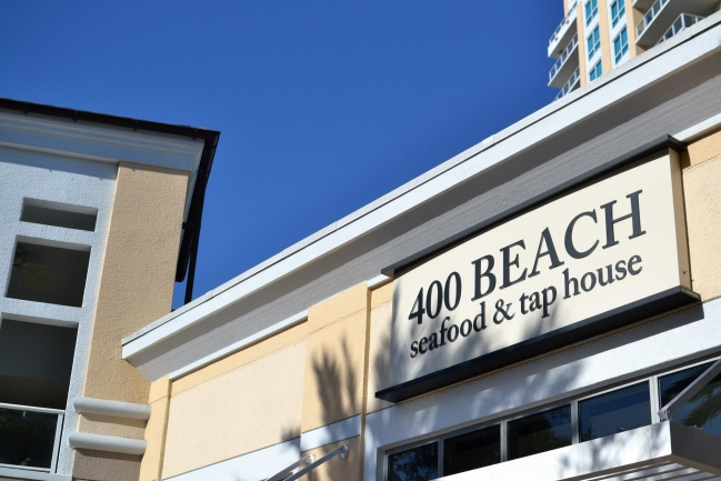 Only a few blocks away from all the shopping and amenities Downtown St Petersburg has to offer