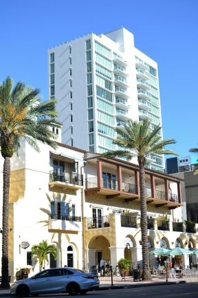 Shops, dining, and entertainment all at your doors step and a short walk from Bliss Luxury Condos in Downtown St Petersburg Florida