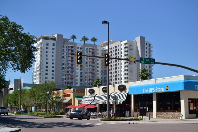 Casablanca Towers Condos in Downtown St Petersburg Florida is close to dining, shopping, and entertainment options.